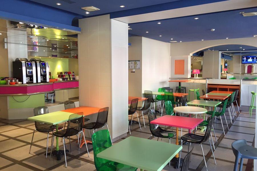 Ibis Styles Bordeaux Gare Saint Jean Espace petit déjeuner