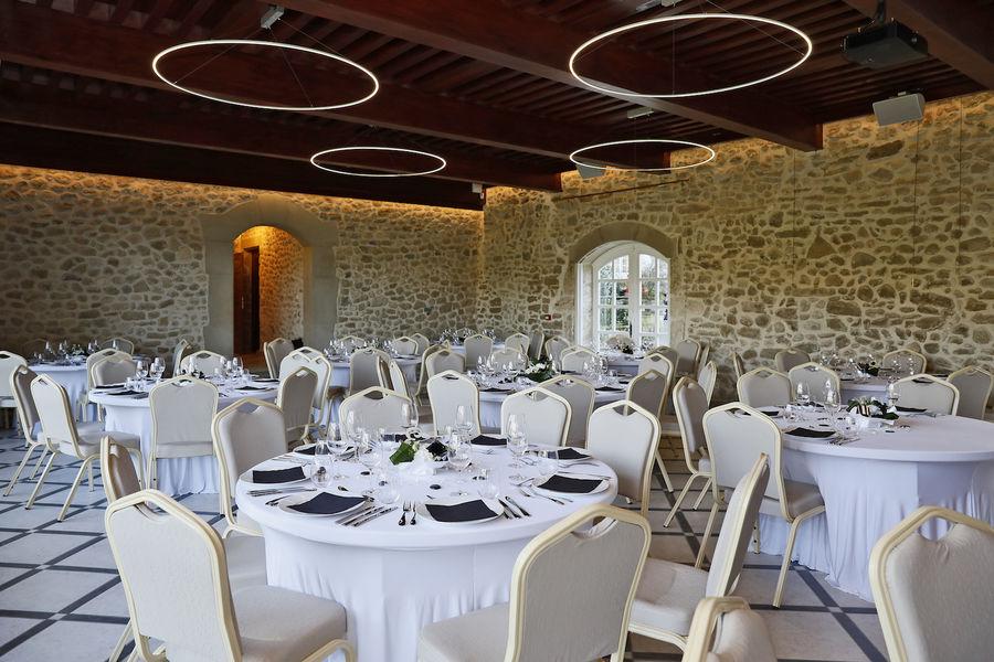 Domaine de la Chartrognière Diner salle de réception