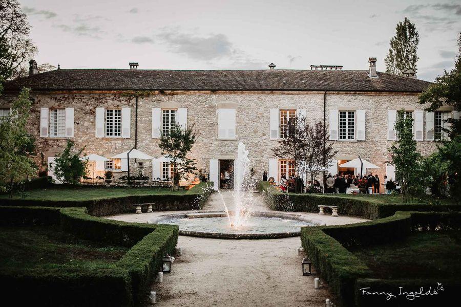 Domaine de la Chartrognière Jardins à la française plein sud