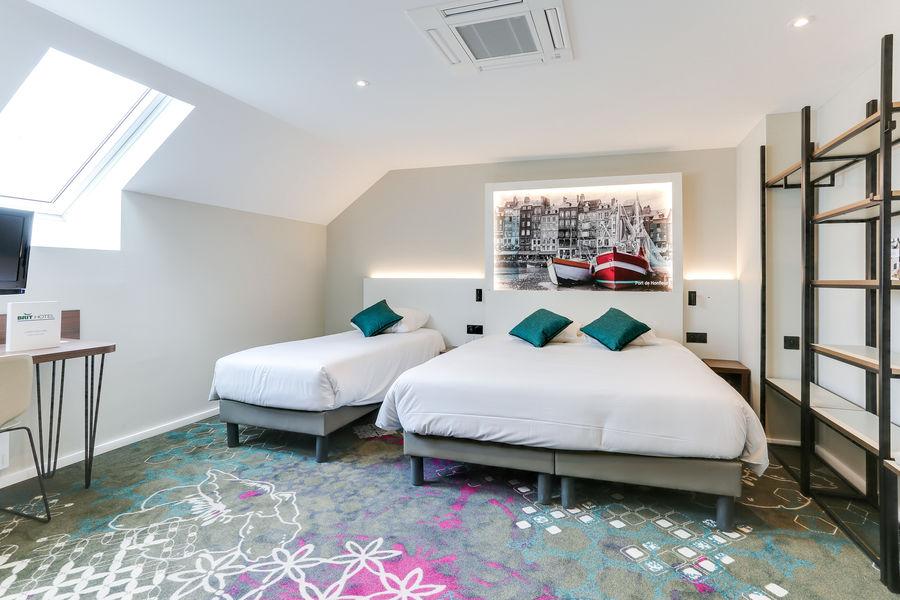 BRIT HOTEL Caen Nord Memorial *** Chambre familiale
