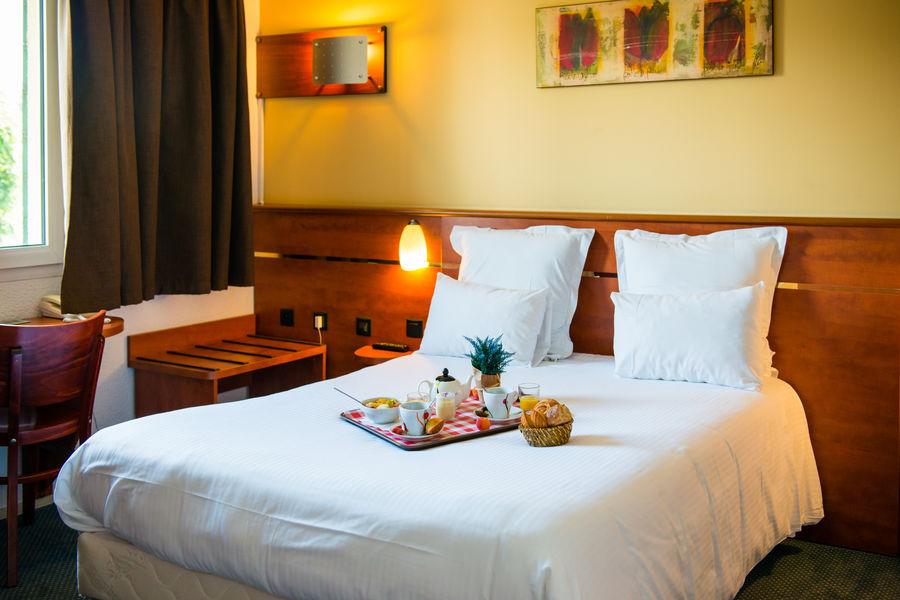 BRIT HOTEL Blois – Le Préma *** Chambre grand lit