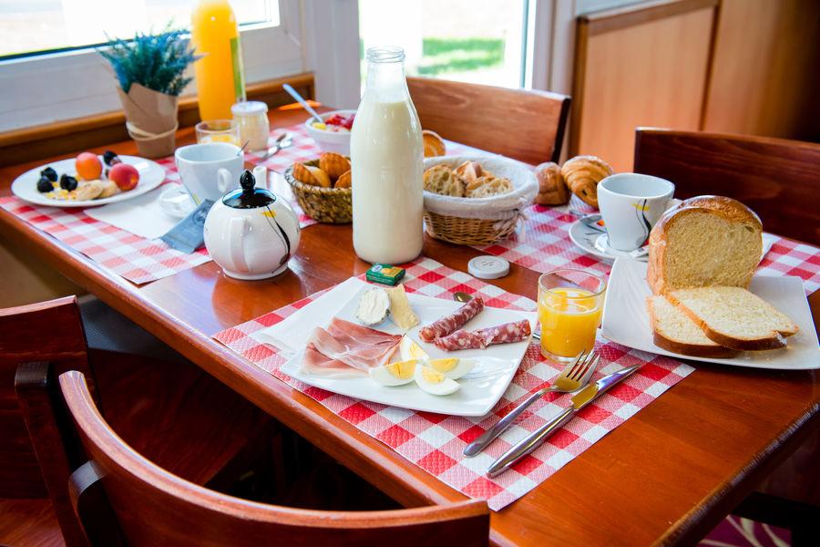 BRIT HOTEL Blois – Le Préma *** Petit déjeuner