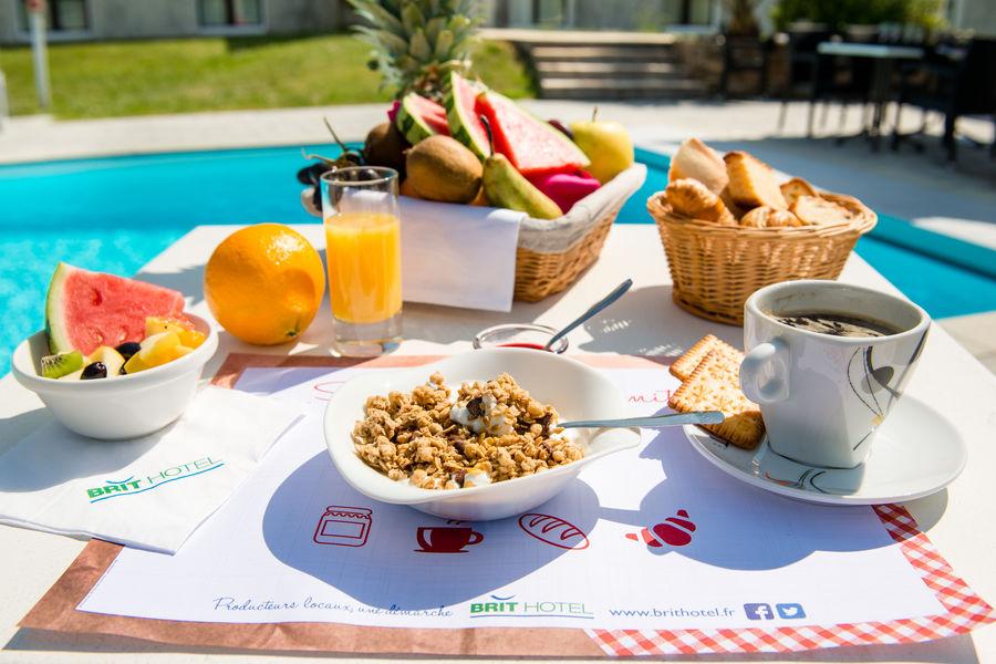 Brit Hotel Nantes Vigneux – L'Atlantel *** Petit-déjeuner