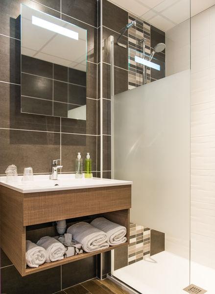 Brit Hotel Nantes Vigneux – L'Atlantel *** Salle de bain