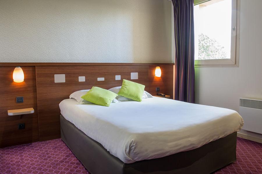 Brit Hotel Angers Parc Expo – L'Acropole *** Chambre Grand Lit
