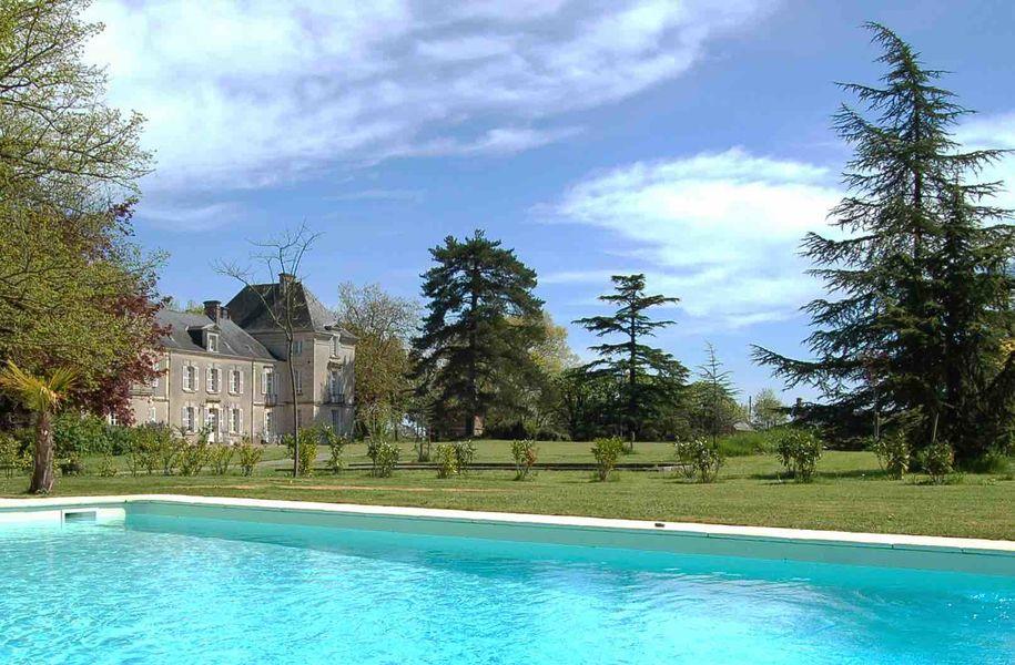Château de Cop Choux  La piscine