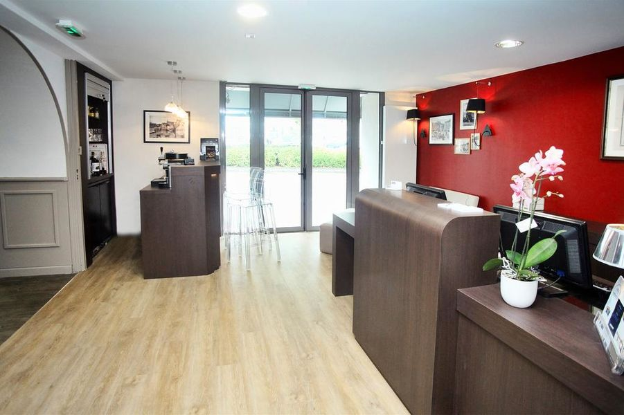 Hôtel Kyriad Vannes Centre-Ville ***  Reception