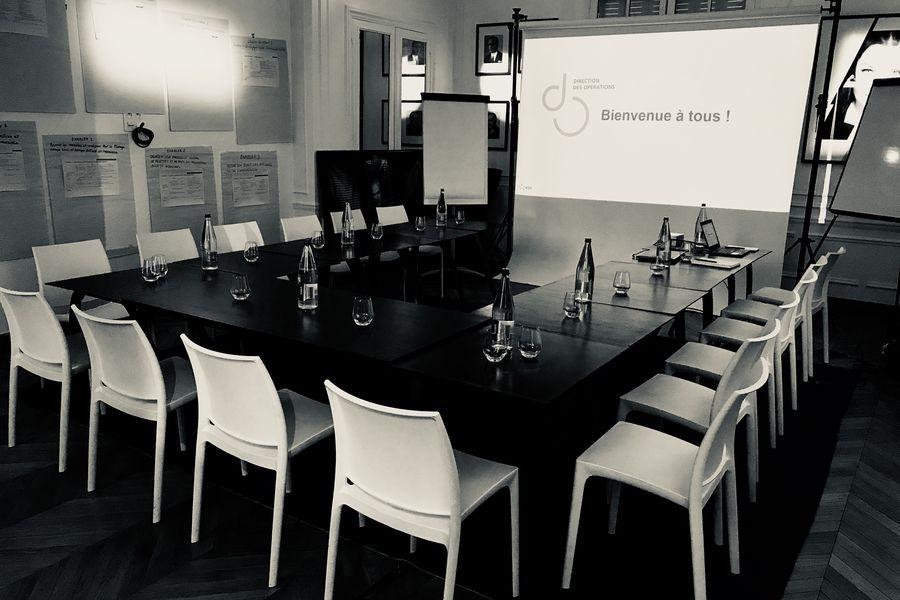 Studio Harcourt Réunion configuration en U, salon de projection