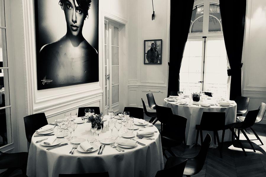 Studio Harcourt Déjeuner assis, salon de thé