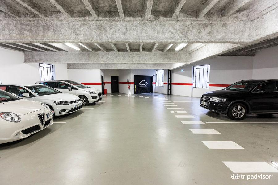 Collège Hôtel **** Garage privé