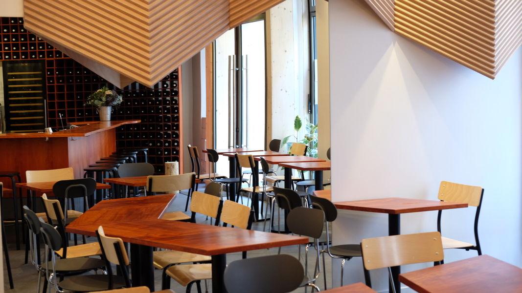 Anna Salle de restaurant