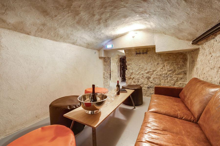 Chai Parisien Cave 2 - Cosy