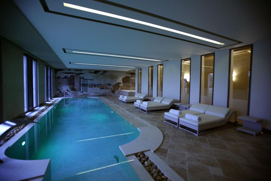 Domaine de Verchant  Hôtel & Spa ***** piscine intérieure du spa