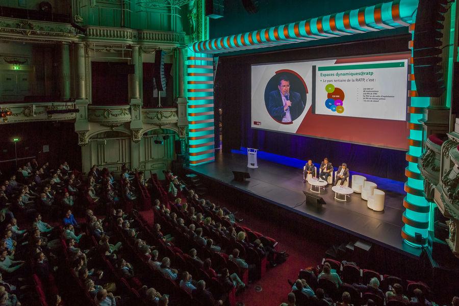 Théâtre Mogador scène en configuration plénière
