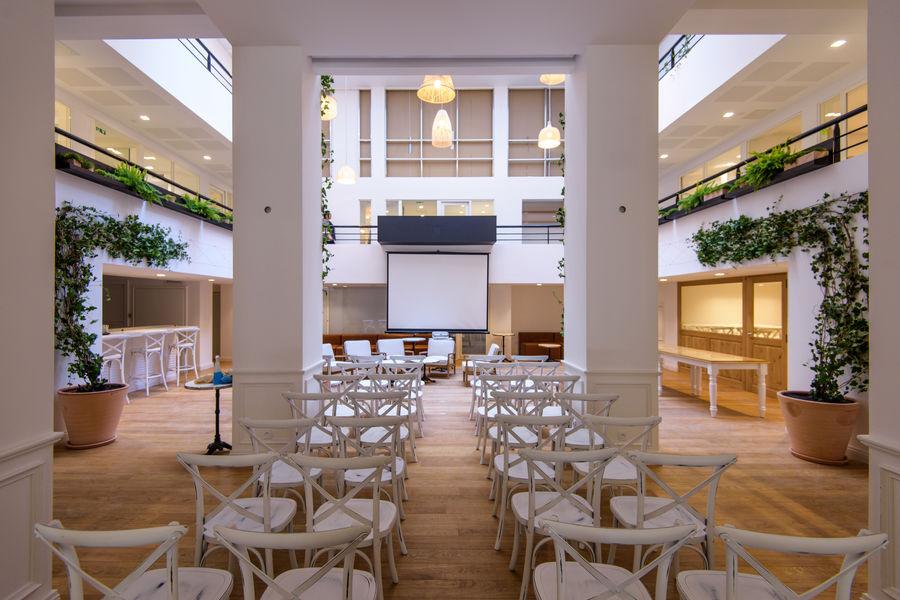 The Babel Community Votre propre événement dans l'Atrium The Babel Community