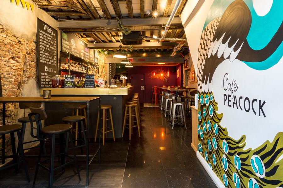 Café Peacock Entrée du bar