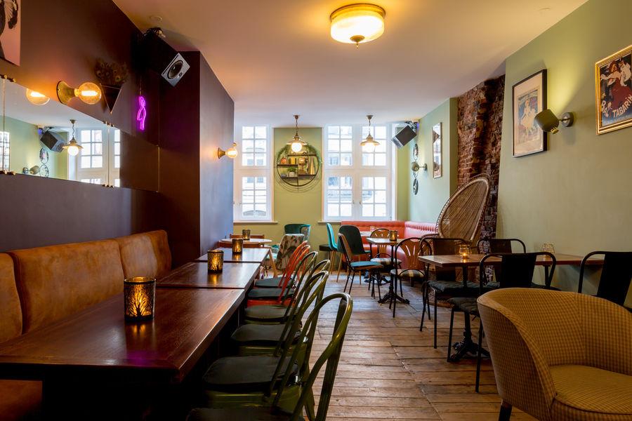 Café Peacock Etage