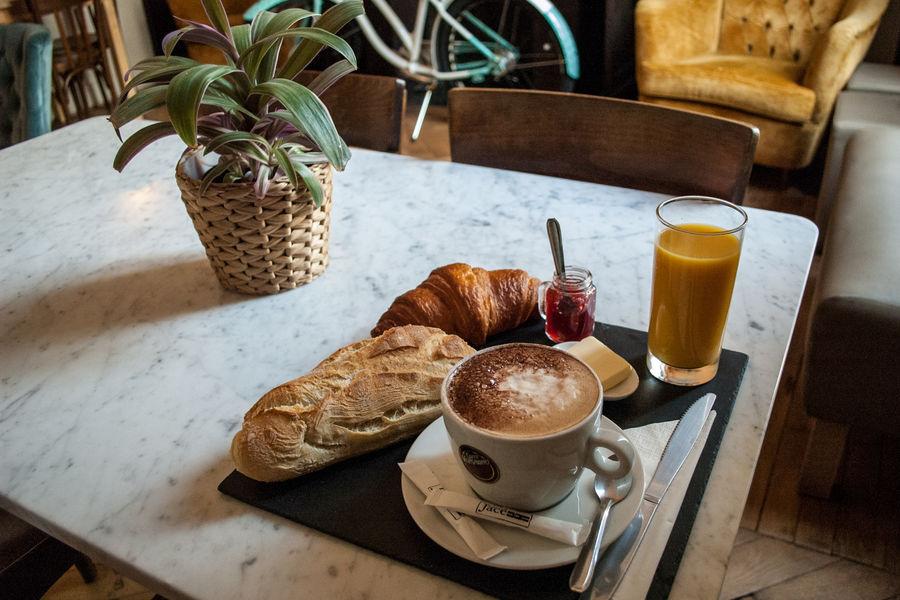 ho36 Avignon Provence Petit-déjeuner