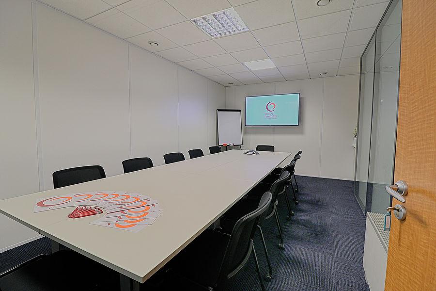 Baya Axess Salle de réunion entièrement équipée