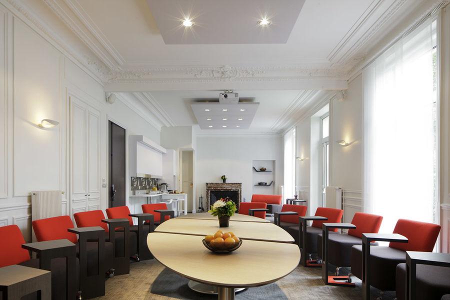 Novotel Paris Saclay **** Salon Eureka dans la maison de maître