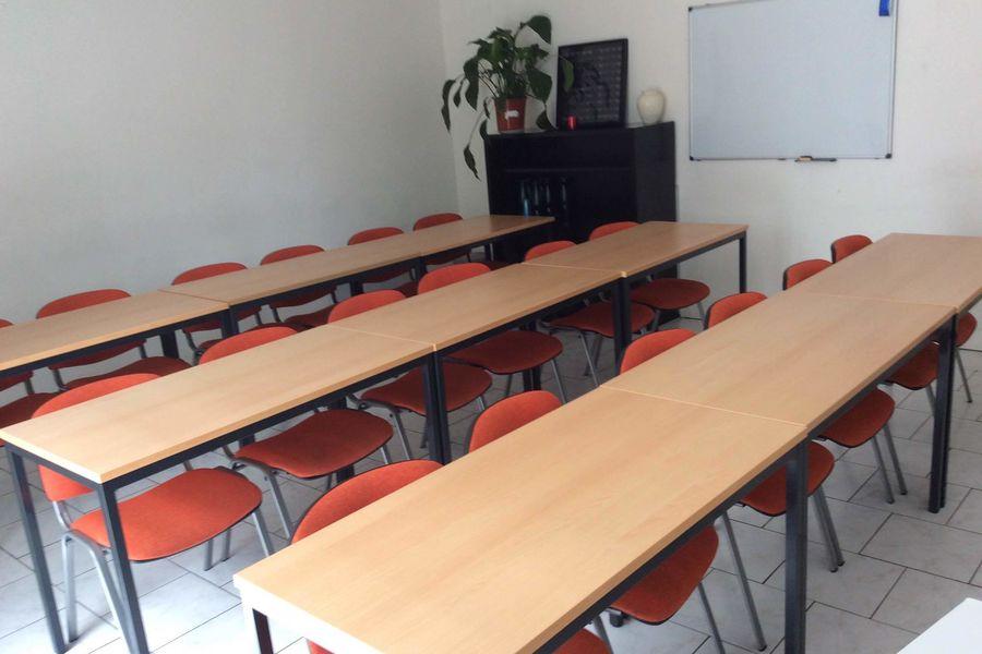 Espace Trois Tiers SALLE DE FORMATION - disposition salle de classe -