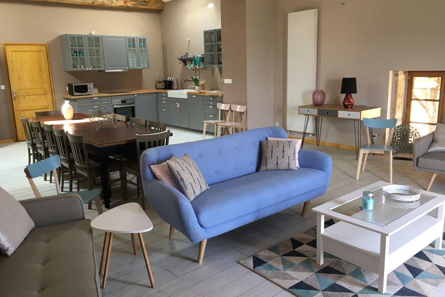 Domaine du Buisson Au Raph-iné, salle de réception, grande terrasse couverte, piscine intérieure, salle d'eau