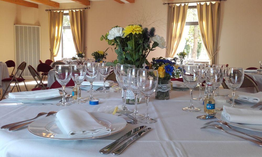 Le Domaine de la Petite Haye Dîner salle réception Grange