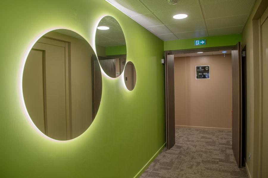 Hôtel Lou Castelet **** couloir chambre