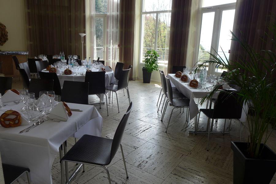 Villa Mathis *** Salle ovale en mode repas assis