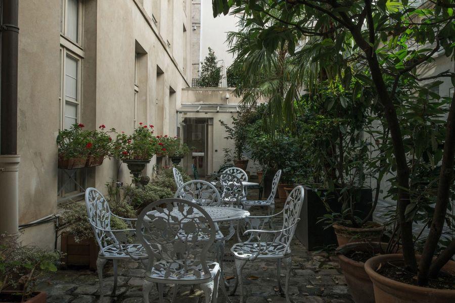 Hôtel du Jeu de Paume Cour accessible aux clients