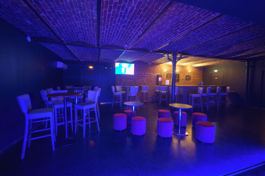 KaraFun Bar Big Stage vue de la scène - max : 70 personnes - karaoké ou quiz musical