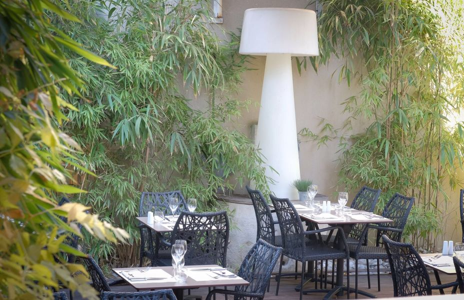 L'avenue Carnot  terrasse de l'Avenue Carnot Restaurant