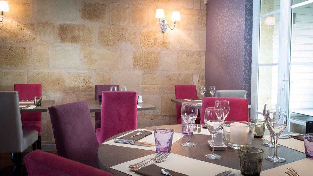 L'avenue Carnot  alcove de la salle de restaurant de L'avenue Carnot