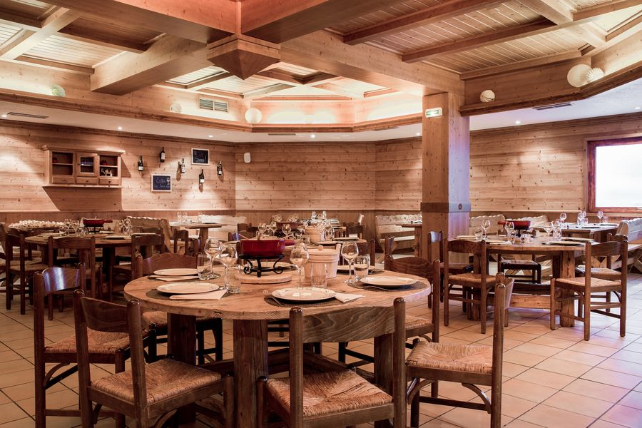 Mercure Courchevel **** Restaurant la Montagnette