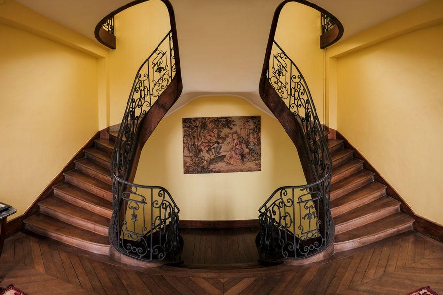 Château de Vitry-la-Ville Double escalier central