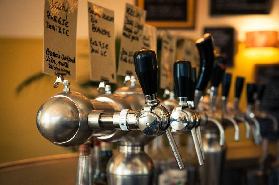 Le Piston Pélican  Large choix de bières pressions artisanales, pils, Ambrée,Pale Ale, IPA