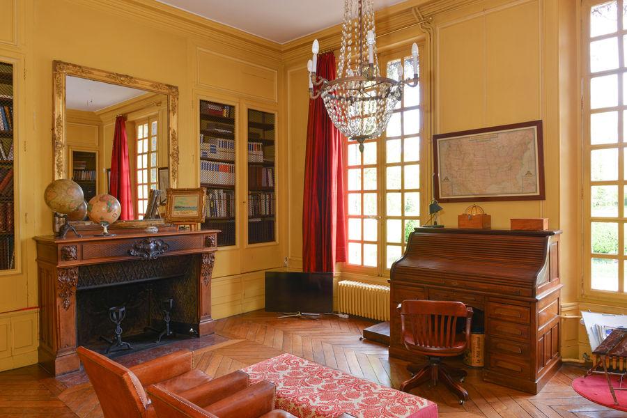Château du Bois de la Lune Salon bibliothèque