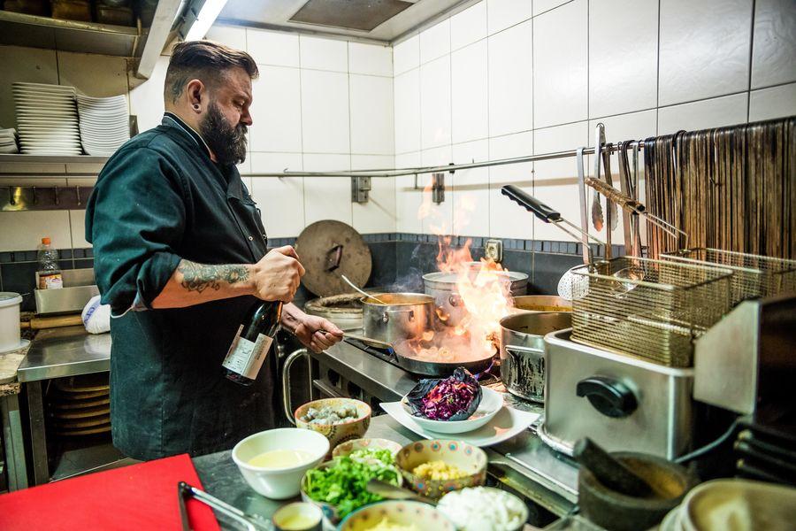 Mumbai Cafe le chef au fourneau!!!