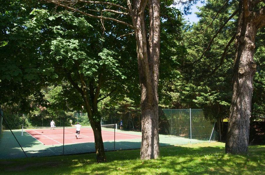 Le Manoir Hôtel *** Le Manoir Hôtel - Le court de tennis