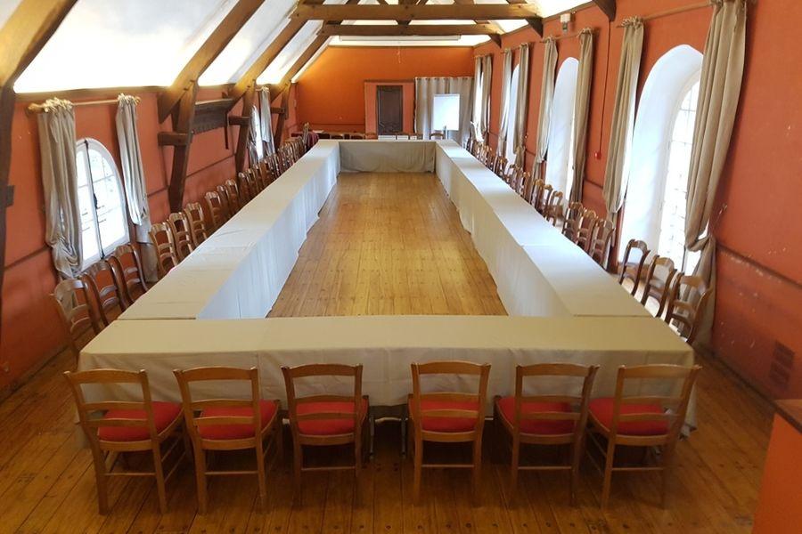 Domaine des Vaux de Cernay Rectangle au salon Cîteaux