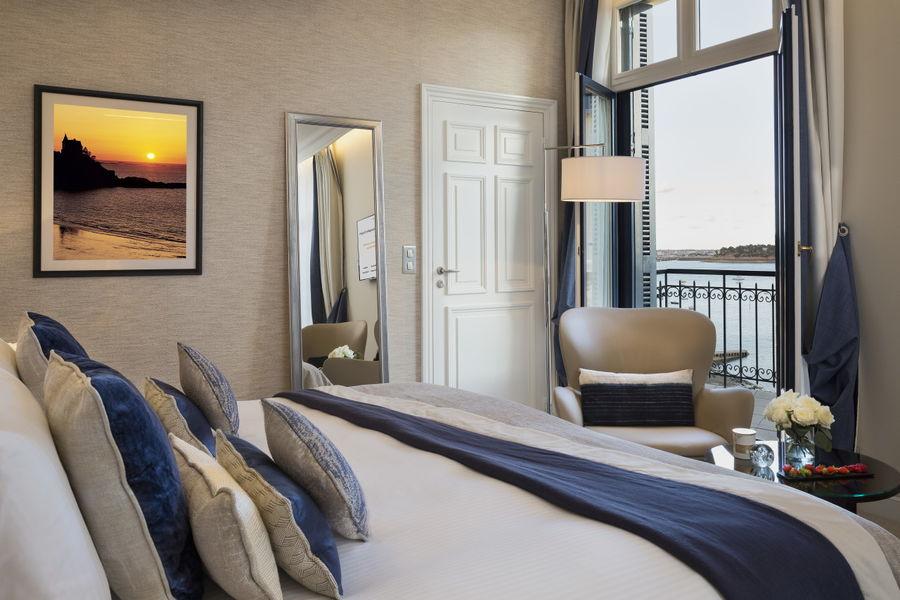 Le Grand Hôtel Dinard ***** Chambre deluxe mer