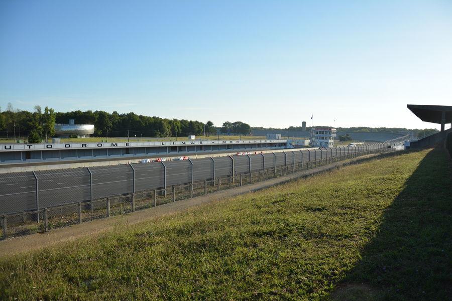 Autodrome de Linas-Montlhéry L'Autodrome de Linas-Montlhéry en Essonne, un lieu exceptionnel.