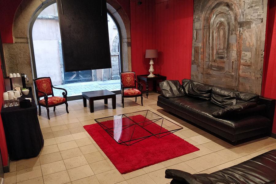 Cour des Loges ***** Espace Affaires côté Lounge