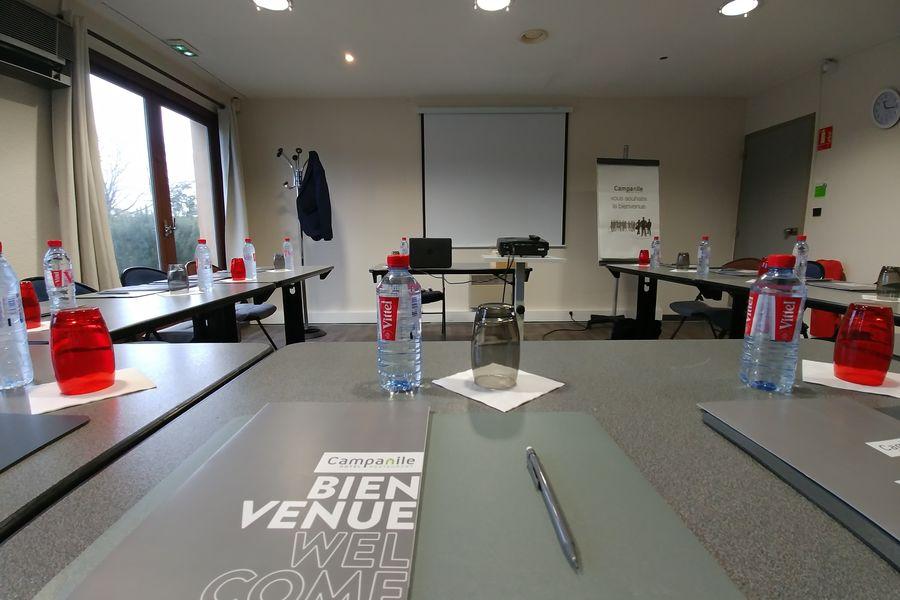 Campanile Lyon Sud-Chasse-sur-Rhône *** Salle de réunion de face