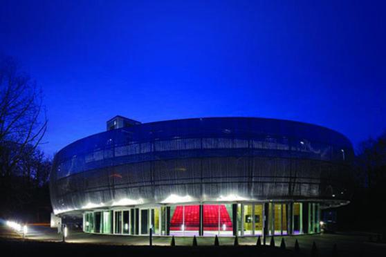 Pavillon LE 1924 au coeur de l'Autodrome de Linas-Montlhéry en Essonne