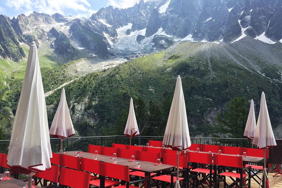 Terminal Neige - Refuge du Montenvers à Chamonix Terrasse du Refuge - crédit Di Orio