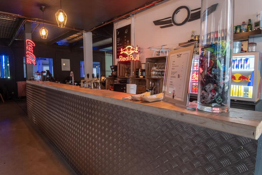 Droneez Bar