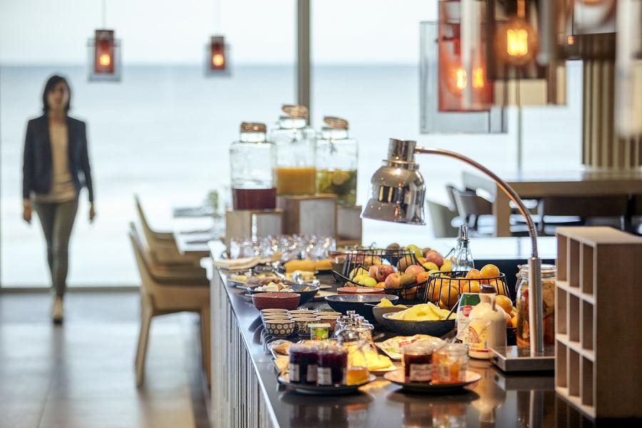 """Novotel Thalassa Le Touquet **** Buffet petit déjeuner restaurant """"Le Maison Mer"""""""
