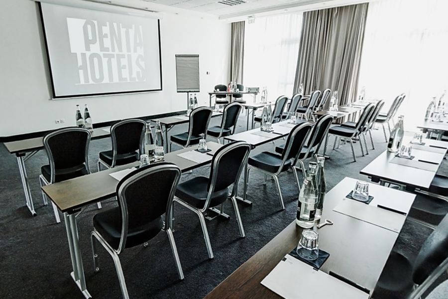 pentahotel Paris CDG Airport **** Studio