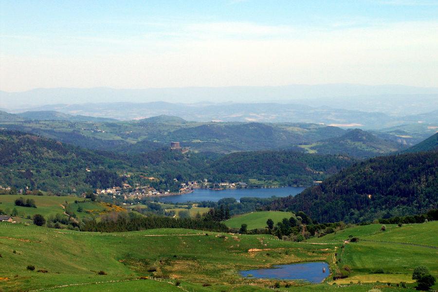 Camping l'Europe Lac Chambon en Auvergne